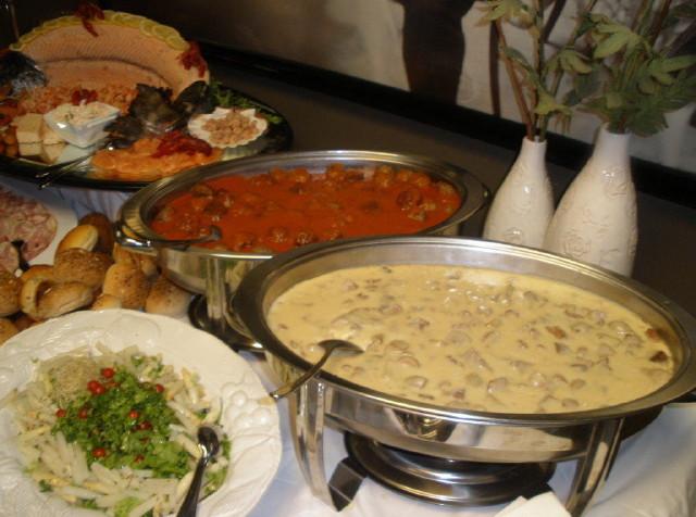 Legerjeep buffet uitgebreid met soep en dessert